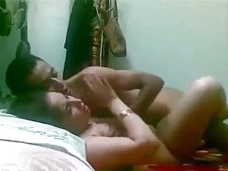 अधोवस्त्र में 3 हिंदी सेक्सी मूवी पिक्चर महिलाओं के साथ ग्रुपसेक्स