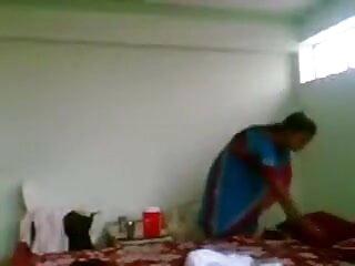 शुद्धता लिन: बुरे स्कूली छात्र ने हिंदी में सेक्सी मूवी अपने वाइब्रेटर को शरारती सफेद कर लिया