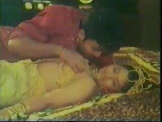 पति हिंदी सेक्सी पिक्चर फुल मूवी वीडियो Milf चूसना महिमा छेद मुर्गा देखता है