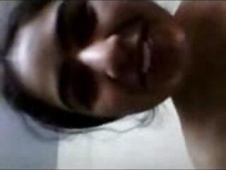 वेनेसा ने एक बार में सेक्सी मूवी फुल सेक्सी मूवी दो के साथ मस्ती की