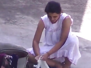 बीबीडब्ल्यू श्यामला सेक्सी हिंदी वीडियो मूवी बेकार है और fucks और उसके लड़के दोस्त द्वारा fisted