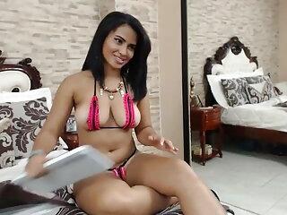 लड़कियाँ केवल टब हिन्दी सेक्सी मूवी