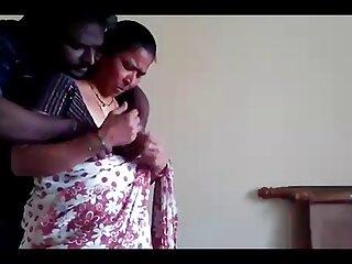 एक बड़ा मुर्गा और चेहरे के साथ शौकिया प्रेमिका सेक्सी मूवी फिल्म हिंदी में गुदा मैथुन