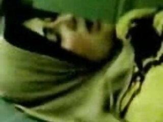 सुनहरे बालों वाली आकर्षक स्तन हिंदी सेक्सी न्यू मूवी