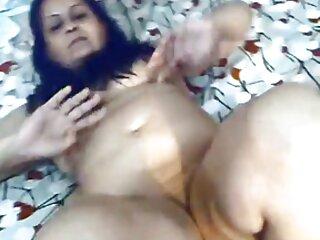 लतीना मुर्गा की सवारी करने के लिए हिंदी में फुल सेक्स मूवी उठती है और सोफे पर सह निगल जाती है