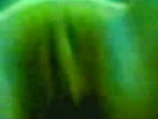 लवली जूलिया बेकार है और बेकार है सेक्सी फिल्म पूरी मूवी 7 डिक्स - P2