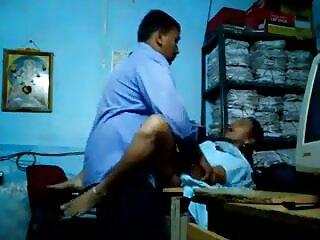 प्यारा किशोर श्यामला उसके हिंदी सेक्सी मूवी 2 पर्यवेक्षक fucks