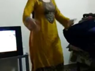 मम्मी के साथ सिल्वर सेक्सी वीडियो हिंदी मूवी में स्टालियन और उनकी बेटी नहीं