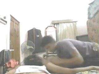 डिल्डो टेक के साथ सेक्सी फिल्म हिंदी वीडियो मूवी पांच हॉट सह-एड्स कमबख्त और उनके pussies को चाट लेते हैं