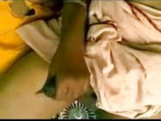 BBW हस्तमैथुन करता है और पंच कटोरे में बिल्ली की धार सेक्सी फिल्म हिंदी मूवी है।